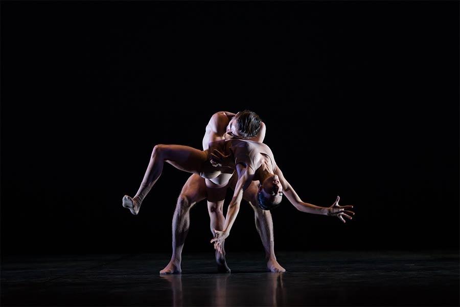 ældre par der danser